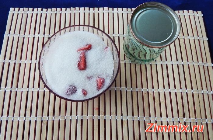 Клубничное варенье без варки пошаговый рецепт - шаг 2