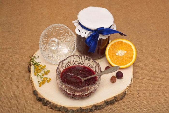 Рецепт варенья из крыжовника с апельсином на зиму - шаг 4