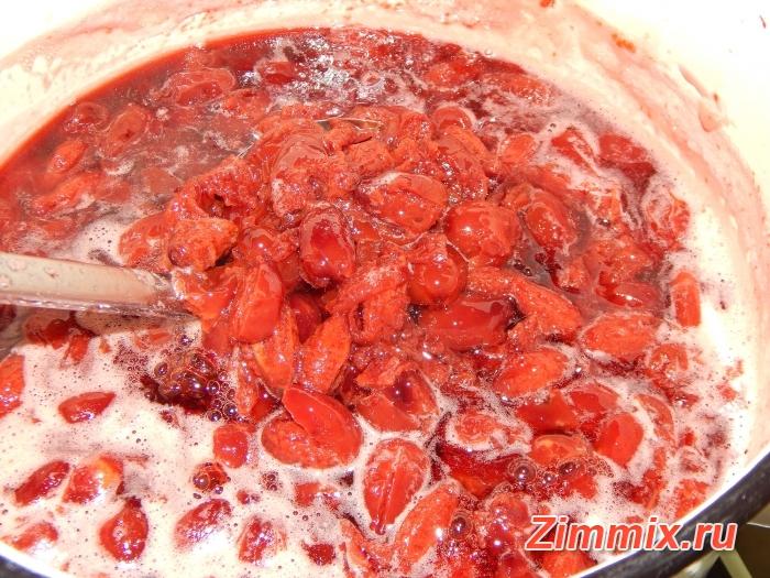 Варенье из кизила пятиминутка на зиму рецепт с фото - шаг 8