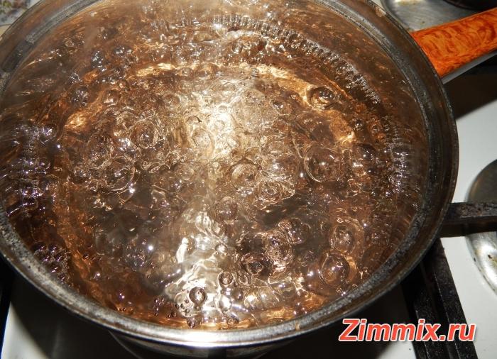 Компот из чёрной смородины рецепт  с фото - шаг 3