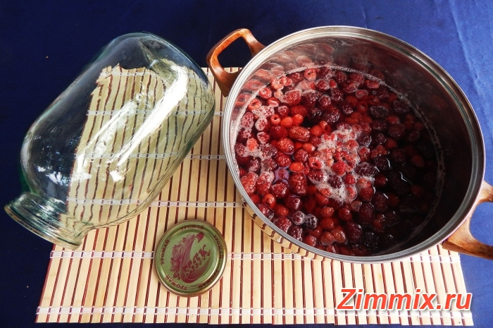 Компот из ежевики и малины на зиму с фото - шаг 4