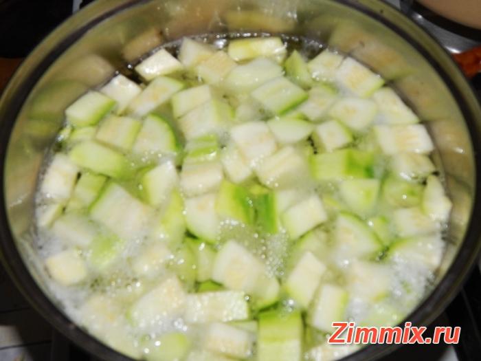 Компот из кабачков со вкусом ананаса на зиму - шаг 3