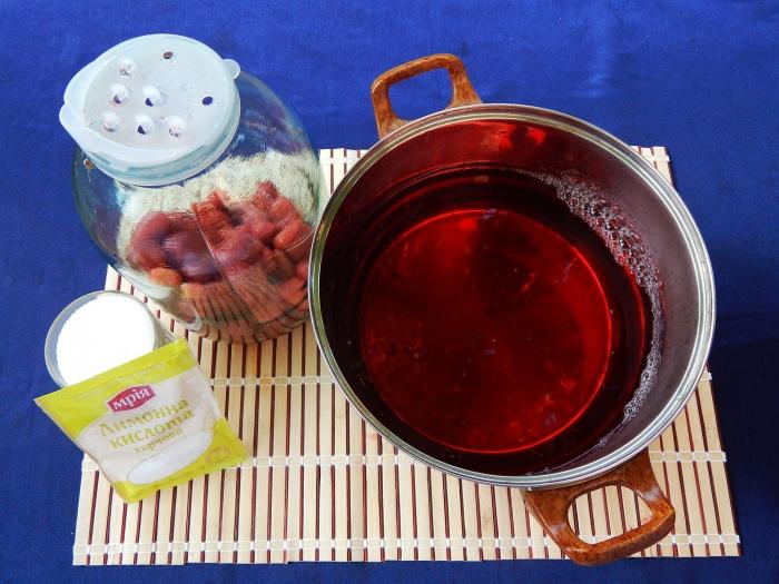 Компот из клубники с лимонной кислотой без стерилизации - шаг 4