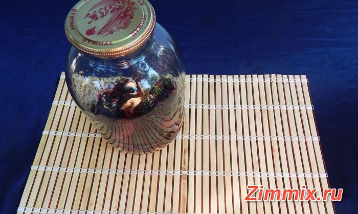 Компот из малины, ежевики и смородины на зиму - шаг 5