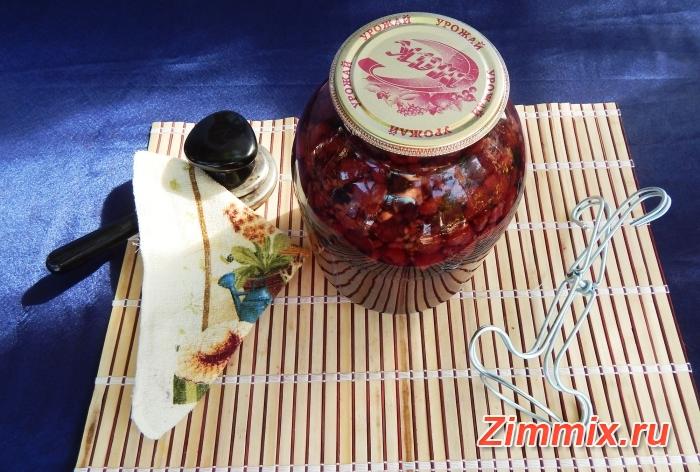 Компот из малины, ежевики и смородины на зиму - шаг 7