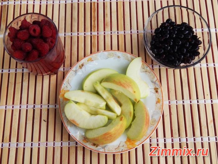 Компот из малины, смородины и яблок на зиму - шаг 1