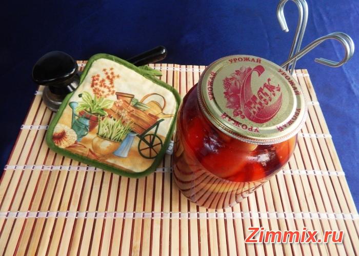 Компот из малины, смородины и яблок на зиму - шаг 6