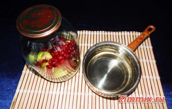 Компот из яблок и кизила на зиму рецепт с фото - шаг 4