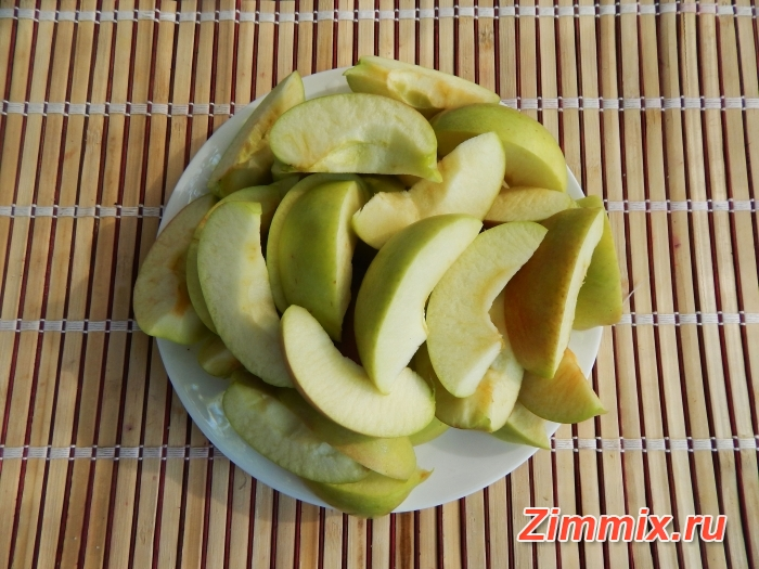 Компот из яблок с ванилью и гвоздикой на зиму - шаг 1