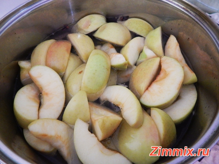 Компот из яблок с ванилью и гвоздикой на зиму - шаг 4