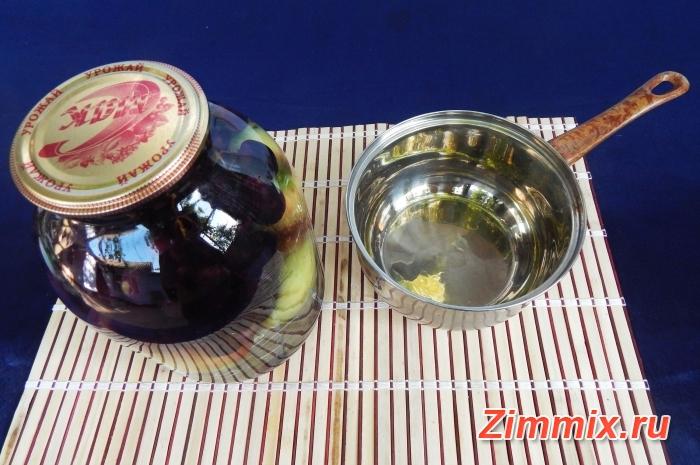 Яблочный компот с виноградом на зиму - шаг 4