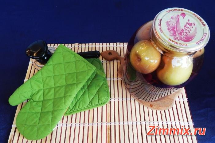 Яблочный компот с виноградом на зиму - шаг 6