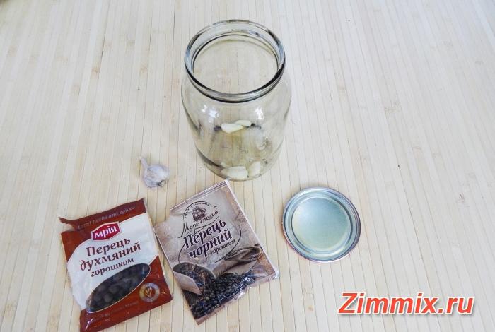 Кабачки с кетчупом чили на зиму рецепт с фото  - шаг 1