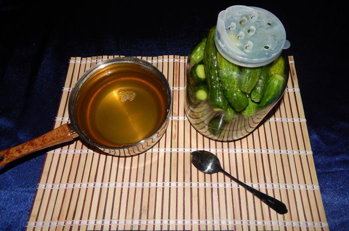 Маринованные огурцы на зиму с уксусом рецепт с фото - шаг 4