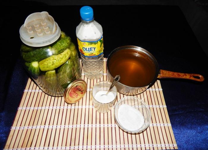 Маринованные огурцы на зиму с уксусом рецепт с фото - шаг 5