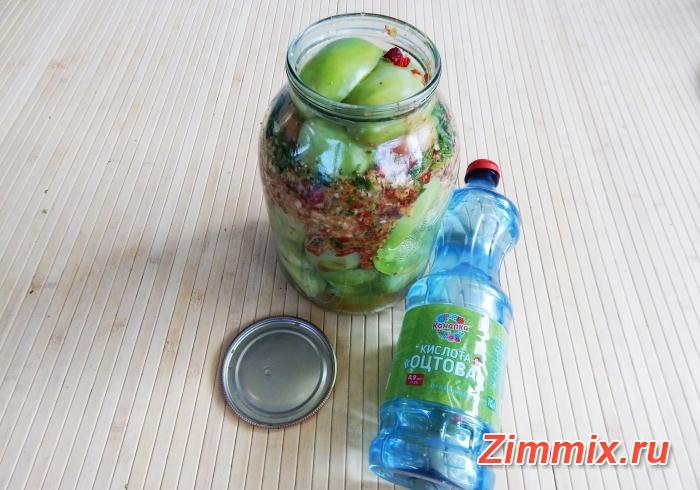 Маринованные зелёные помидоры на зиму с зеленью и чесноком  - шаг 10