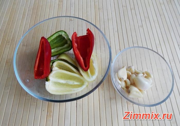 Маринованные зелёные помидоры на зиму с зеленью и чесноком  - шаг 3