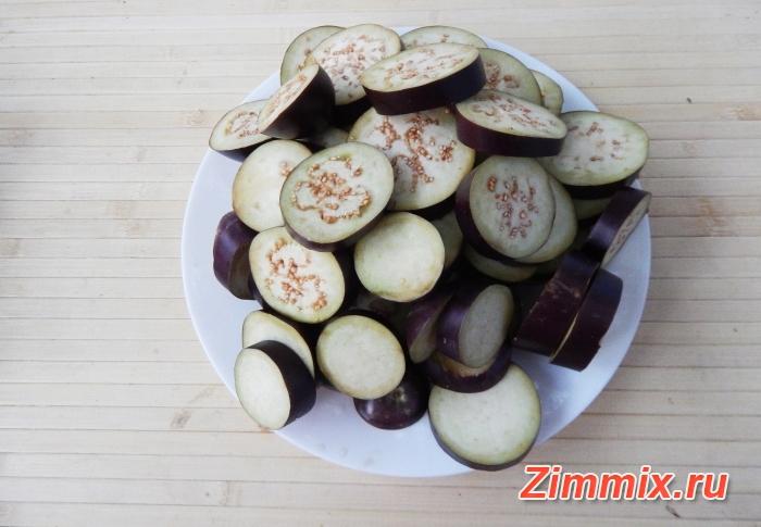 Салат из баклажанов, салатного перца и помидор на зиму  - шаг 3