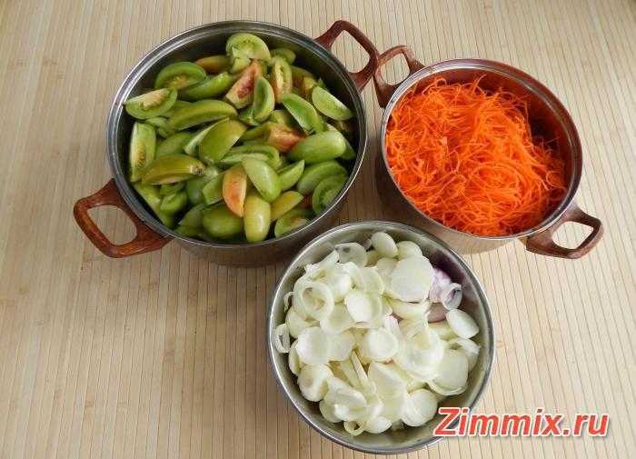 Салат из зелёных помидор дольками на зиму  - шаг 4